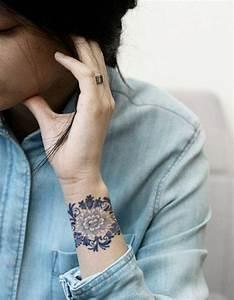 Tatouage Trait Bras : id e tatouage une manchette en dentelle les 40 plus beaux tatouages de pinterest elle ~ Melissatoandfro.com Idées de Décoration