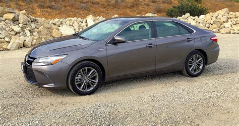 Toyota Camry 2015 Mpg by 2015 Toyota Camry Hybrid Review We Score 40 Mpg In Seven
