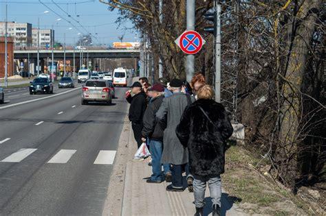 Cilvēkiem bez mašīnas ceļš uz