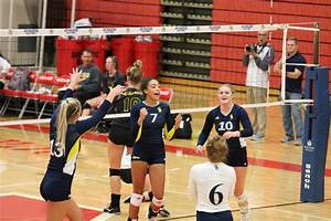 GRCC volleyball team downs Glen Oaks Community College in ...