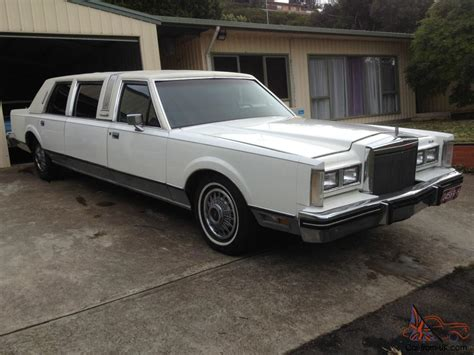 Classic Limo by Lincoln Towncar Stretched Limo Classic Club Family Cruiser