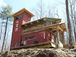 House built with shipping containers and woodShipping ...