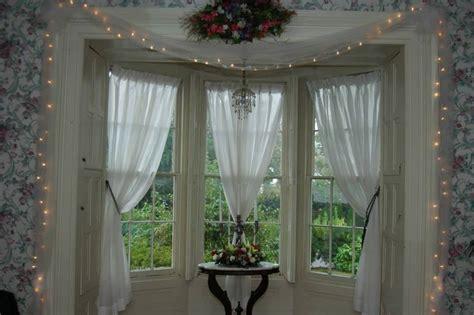 nice bay window decorating tips   bay window
