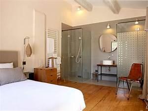 une salle de bain avec douche a l39italienne tendance With chambre avec salle de bain ouverte