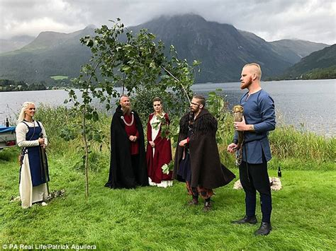 Norwegian Couple Wed In The First Viking Wedding In 1000