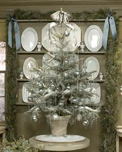 25 amazing tree decorating ideas