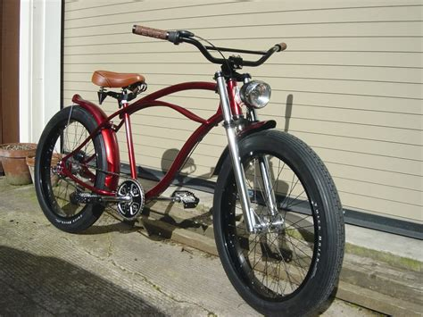 Classic Roadster Bicycle In Red