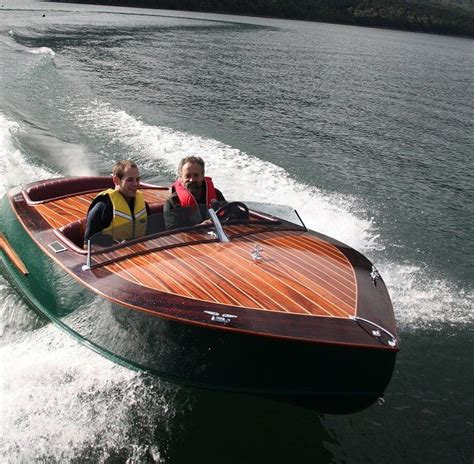 Ski Boat Builders by 15 Ski King Mid Engine Ski Boat Boatdesign Totally