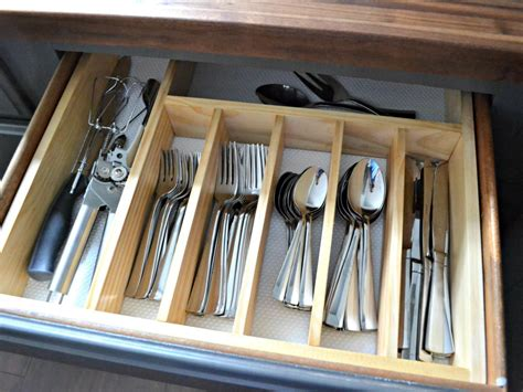 diy kitchen utensil drawer organizer easy stylish and functional diy drawer dividers diy 8768