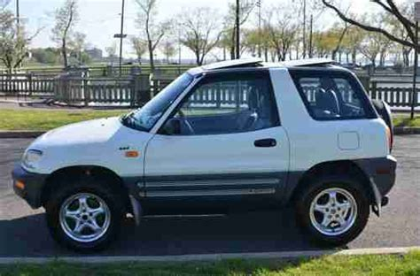 toyota 2 door suv sell used 1996 toyota rav4 base sport utility 2 door 2 0l