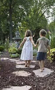 Vorgarten Gestalten Rindenmulch : gartenwege richtig anlegen garten pinterest garten rindenmulch und garten ideen ~ Eleganceandgraceweddings.com Haus und Dekorationen