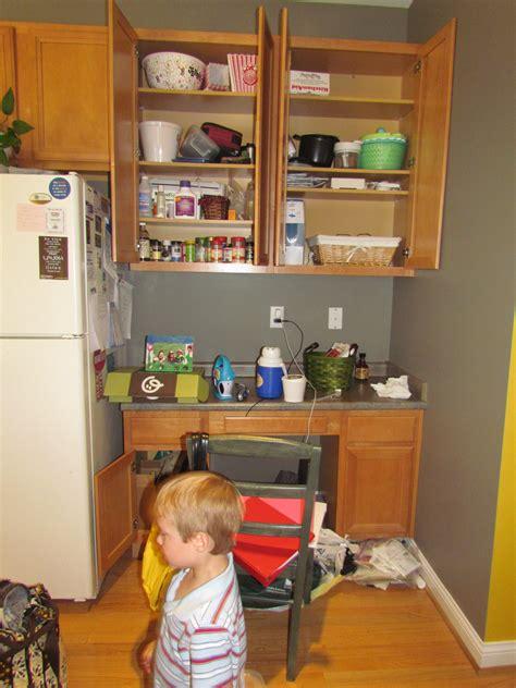 Organizing Those Hot Spots  Motherhood Support. Kitchen Wall Tiles 100 X 200. Kitchen Tile Refinishing. Good Size Kitchen Diner. Kitchen Still Life Art. Kitchen Floor And Bath. Kitchen Cabinets Grand Junction. Kitchen 2016 Images. Cream Kitchen Black Granite