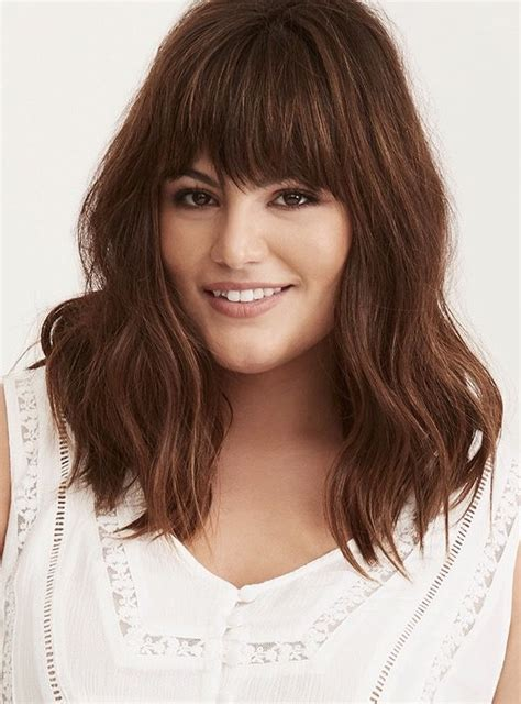 Medium Length Hairstyles For Plus Size medium haircut plus size haircuts in 2019 medium hair