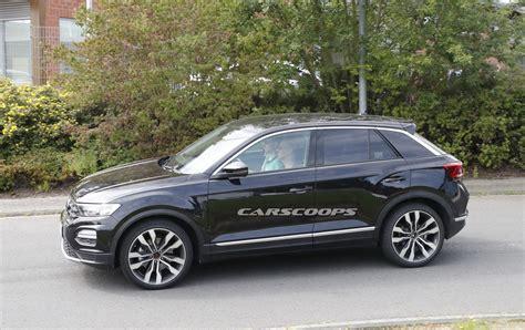 vw t roc jahreswagen werksangehörigen vw t roc hits the streets of germany following its big debut carscoops
