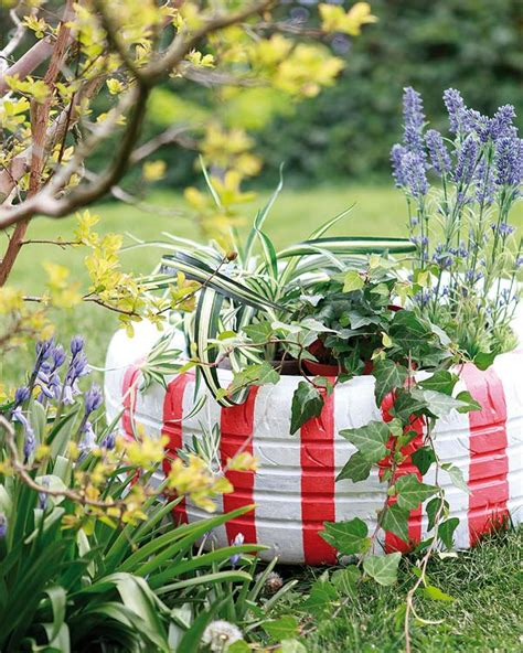 stuhl bunt diy garden decorations colourful ideas with flowers and