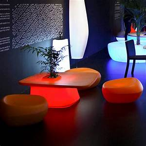 Table Basse Multicolore : table basse lumineuse multicolore led moma low vondom ~ Teatrodelosmanantiales.com Idées de Décoration