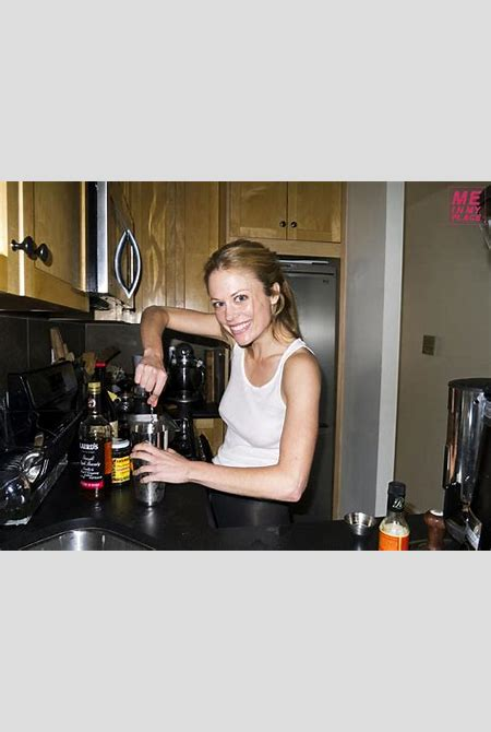 Download Sex Pics Claire Coffee Desnuda En Esquire Me In My Place