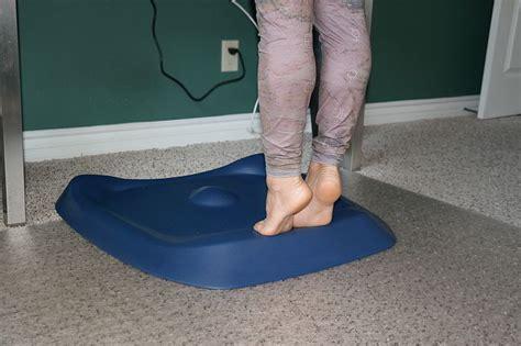 lifehacker standing desk mat the best standing desk mats 28 images five best