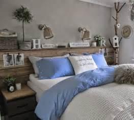 schlafzimmer modern aus holz die besten 17 ideen zu betten auf schlafzimmer graues bett und workout