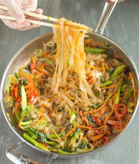 how to cook mung bean noodles vegetable stir fry mung bean noodles recipe stir fry green and meatless meals