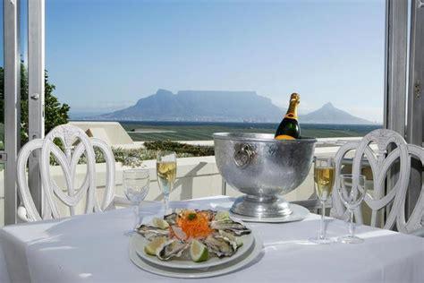 table mountain seafood buffet blowfish bloubergstrand restaurant