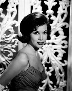 Mary Tyler Moore 1961 | Classic Hollywood 1950s 1960s ...