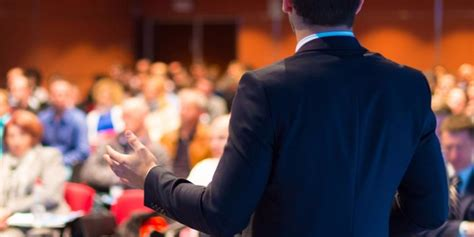 11343 business presentation audience 8 tips on giving a presentation like a pro