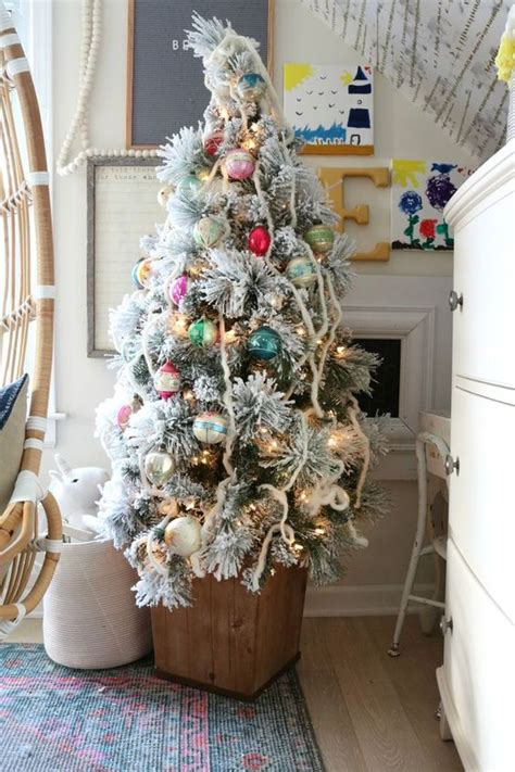 cool small christmas tree decor ideas digsdigs