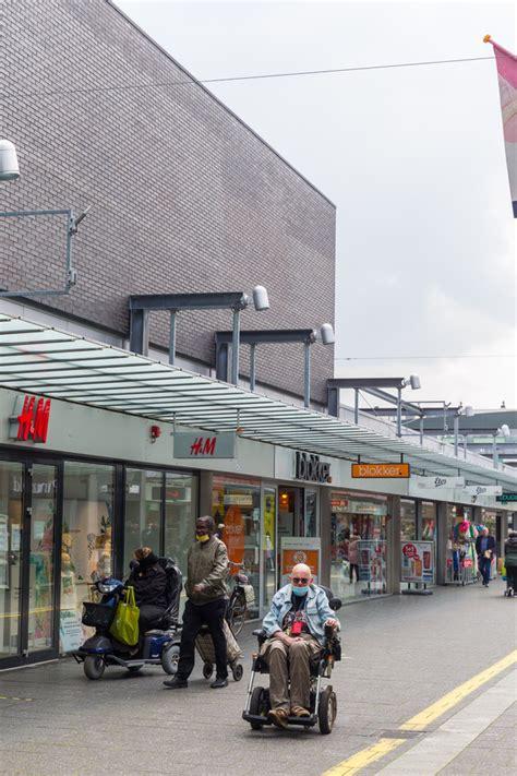 groot deel winkelcentrum woensxl alweer verkocht nieuwe eigenaar ziet kansen om problemen aan