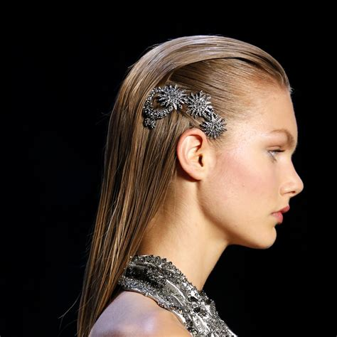 straight   runway hairstyles