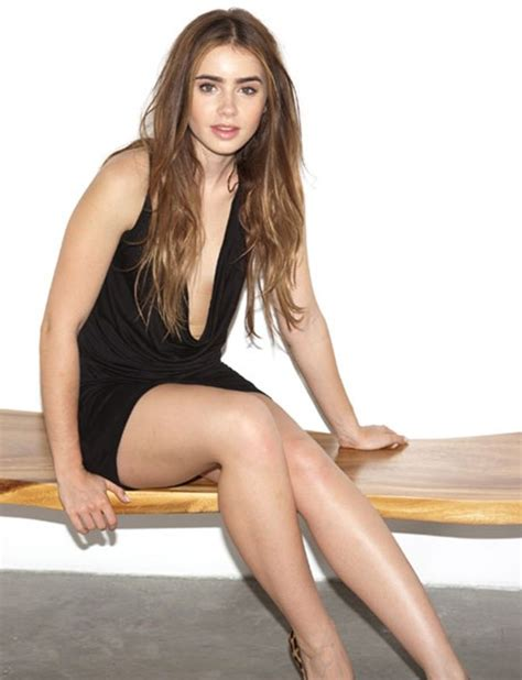 Lily Collins Fappening Sexy Near Nude     Photos     The