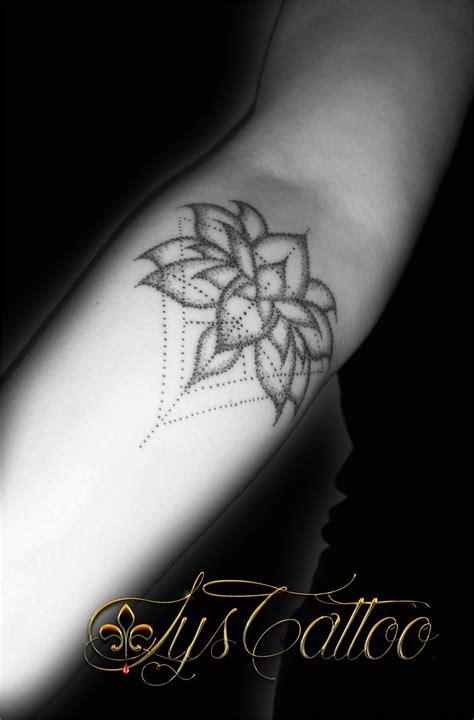 Tatouage Fleur De Lotus Homme