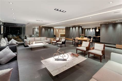 Complex Modern Penthouse Offering Panoramic Views Over