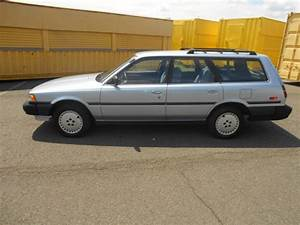 1988 Toyota Camry Dlx Wagon 4