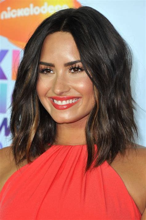 Demi Lovatos Hairstyles And Hair Colors Steal Her Style