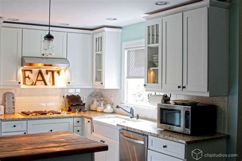 to paint kitchen cabinets white kitchen cabinets mission cabinetry cliqstudios 7175