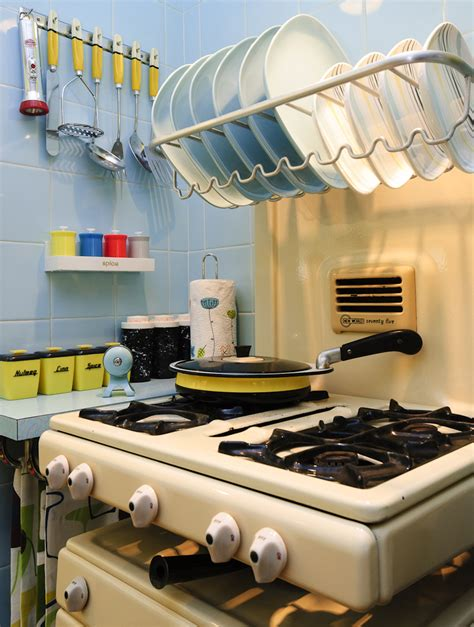 1950s english rose kitchen is bloomin marvellous planet sputnik