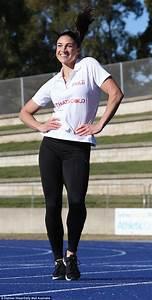 Australian athlete Michelle Jenneke's pre-race dance moves ...