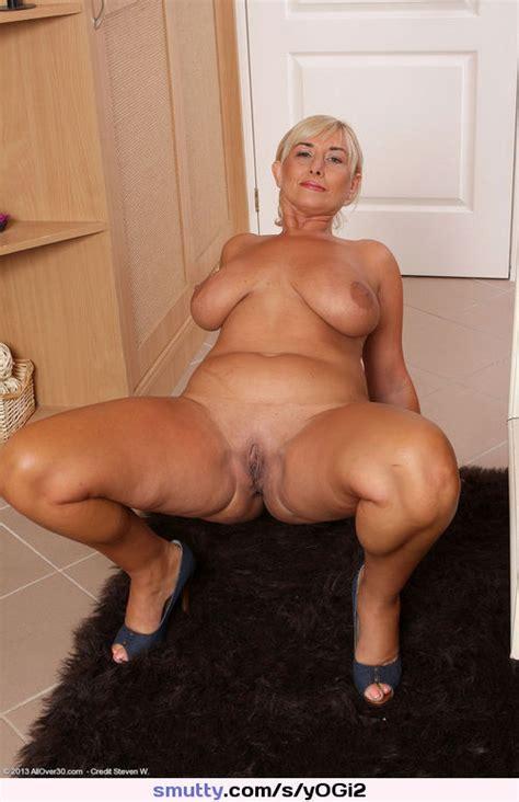 Mature Milf Mom Mommy Granny Grandma Gilf Olderwomen Nude Naked Tan Tanned Pussy