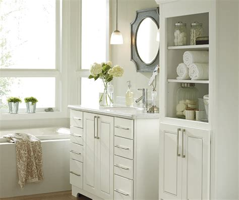 White Cabinets In Bathroom by White Bathroom Cabinets Kemper Cabinetry