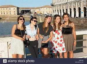 Junge Mädchen Fotos : teenies teen m dchen junge frau selphy foto fotografie egoismus br cke fluss fiume ~ Markanthonyermac.com Haus und Dekorationen