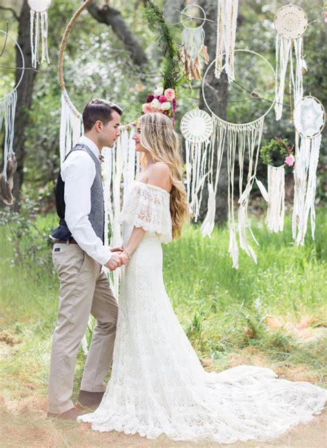 deco mariage retro chic dreamy bohemian wedding inspiration green wedding shoes weddings fashion lifestyle trave