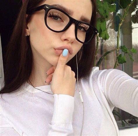 ଘ(Seldsum)ଓ⁾⁾ Chicas con gafas Chicas con lentes Fotos