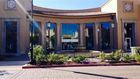 Barnes & Noble Inc. Planning Store With Restaurant In