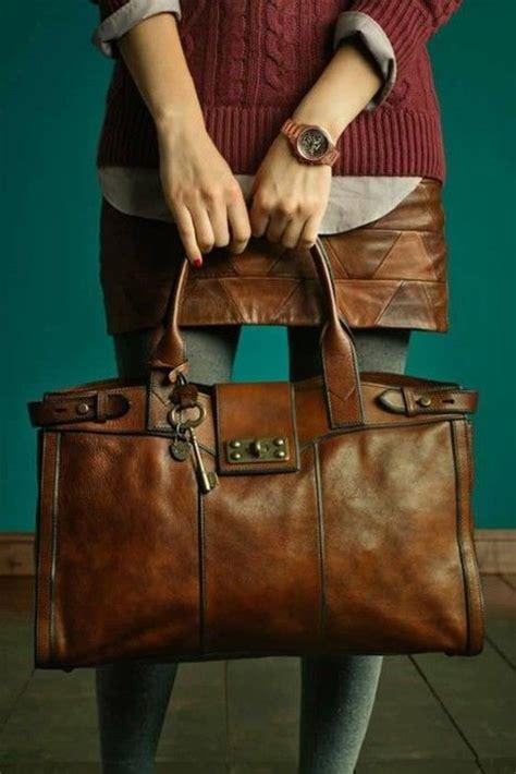 faire briller un canapé en cuir comment redonner sa forme et sa couleur à un sac en cuir