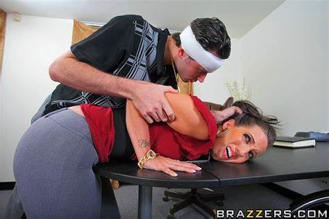 Angry Pornstar Punish Her Dad Bouncy Pigtail Kelly Divine Takes Her Biggest Holes Mercilessly