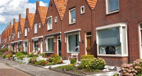 Huisje Nederland by Huisje Boompje Restschuld Gewoon Geld