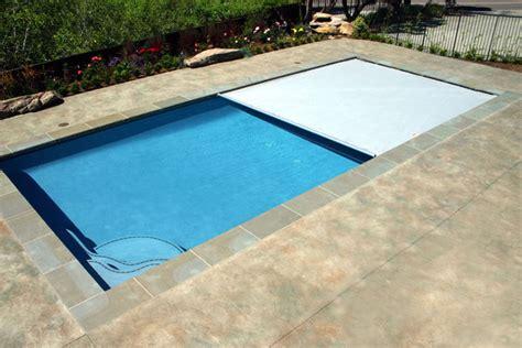 cuanto cuesta una cubierta  piscina piscinascomco