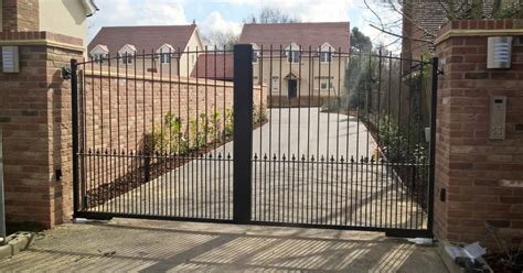 automatic gates in bedford 1st choice security systems