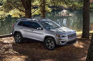 Jeep Cherokee 2018 : 2019 jeep cherokee first look still on comeback trail motor trend ~ Medecine-chirurgie-esthetiques.com Avis de Voitures